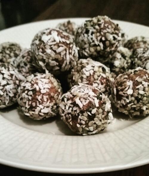 Chokladbollar på groddat bovete