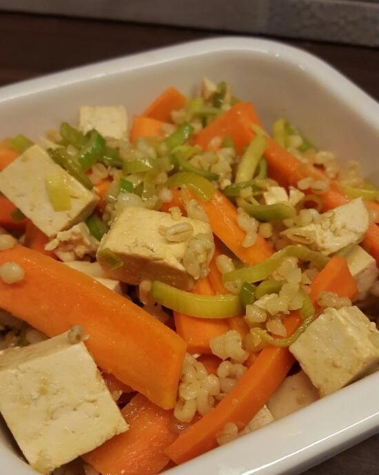 Apelsin- & mangomarinerad tofu